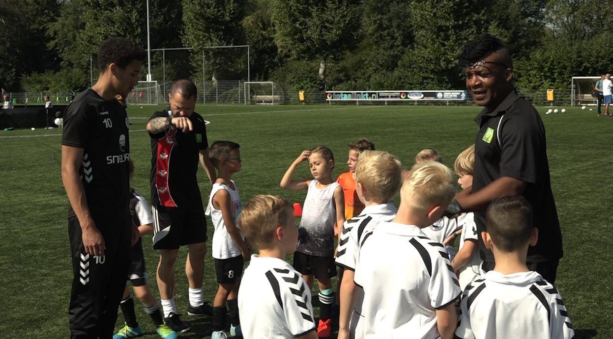 De Graafschap-cultheld Ali Ibrahim geniet op eigen voetbalacademie